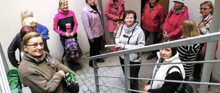 Čekání na klíče:    Z YMCA  do Mandaly